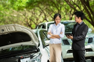 talking to adjuster after an accident Van Sant Law